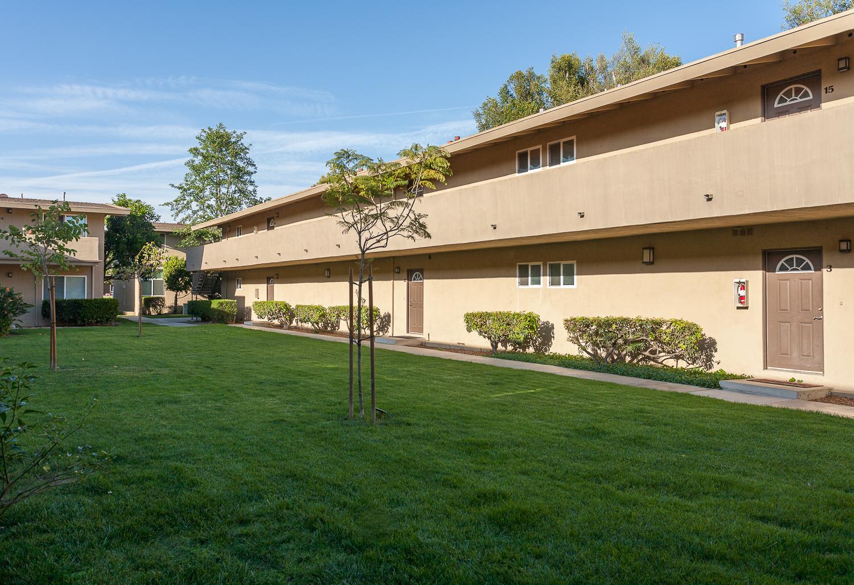Park Del Amo, Lakewood - (see pics & AVAIL)